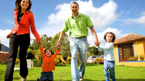 Famille-parents-enfants-bonheur