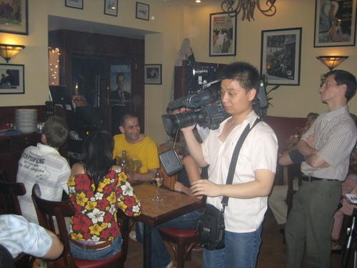 Les médias chinois curieux de l'ambiance