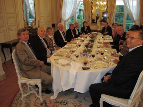 Une partie de la trentaine de membres du RFE