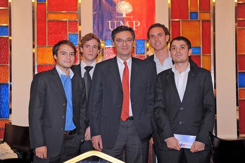 Patrick Devedjian et les Jeunes Pops de Pékin