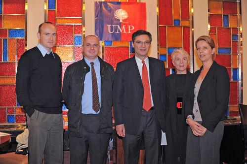 Patrick Devedjian et Jacques Jobard à sa droite, Président de l'UMP Pékin