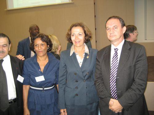 Francis NIZET avec Anne-Marie Idrac, Secrétaire d'Etat au Commerce Extérieur.