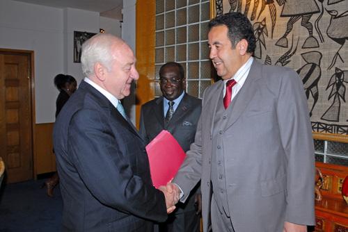 Le Sénateur et le représentant du Maroc