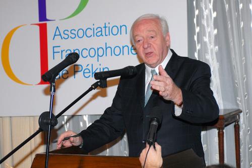 Le Sénateur Robert del Picchia apporte le soutien de JP Raffarin