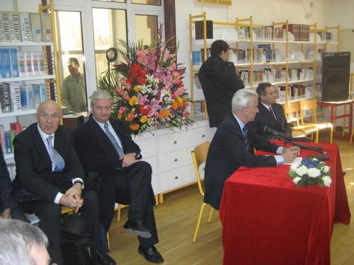 En présence de S.E.M Hervé LADSOUS et du Proviseur